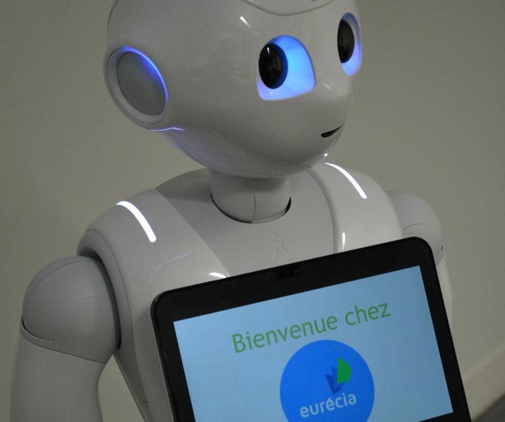 eurecia-et-lupssitech-developpent-un-robot-au-service-des-rh-en-entreprise